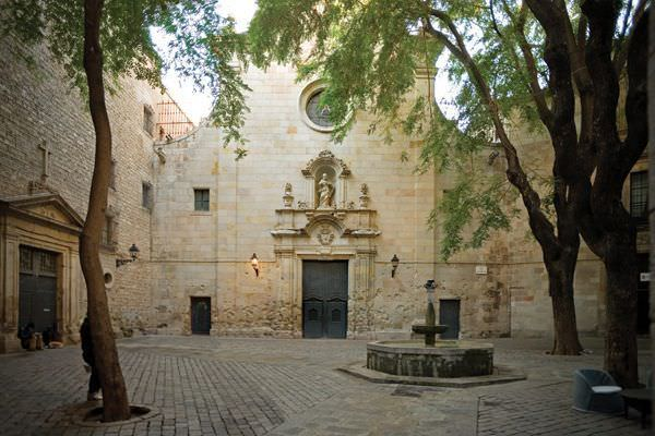 plaza escondida de barcelona