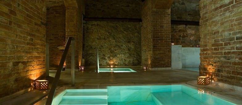 Baño de agua caliente y fría