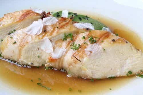Pollo de payés con costra de Joselito y Aguacate