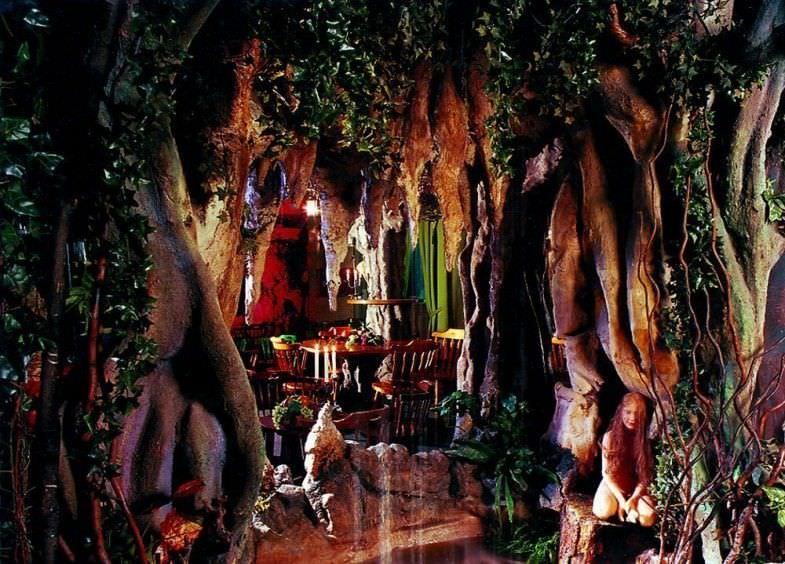 La fuente, el hada y el bosque
