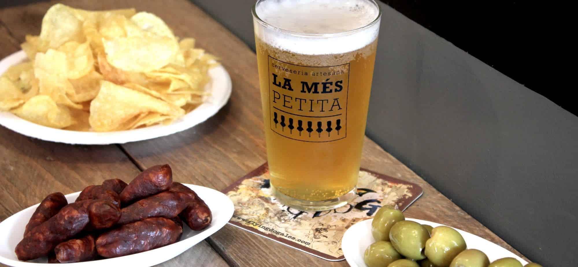 cerveseria-artesana-la-mes-petita-aperitiu-1-2000x925