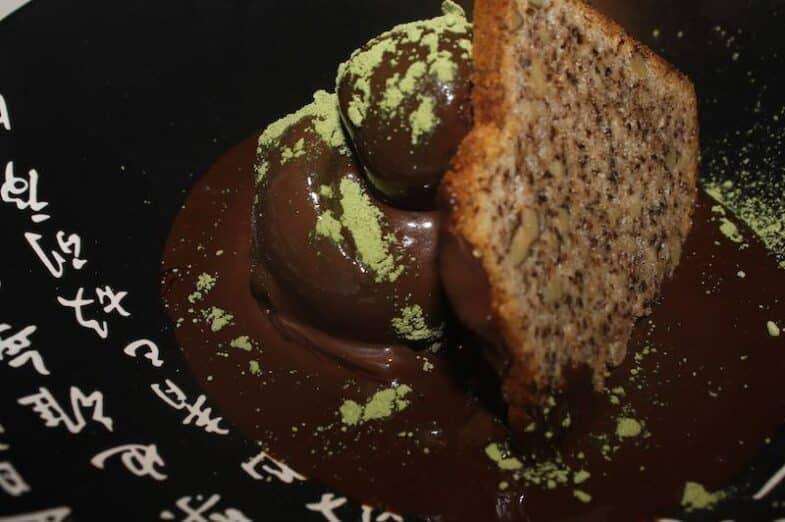 Postre de Helado y Trufa de Chocolate