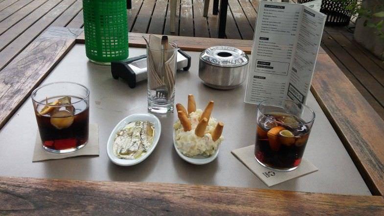 Ensalada de marisco + boquerones caseros