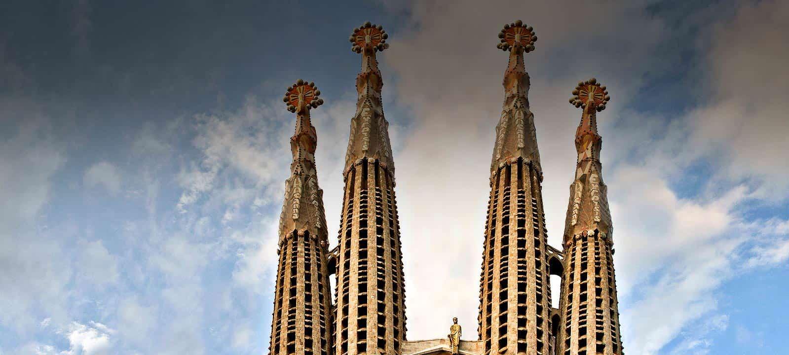 Sagrada fam lia puertas abiertas un buen d a en barcelona for De la sagrada familia