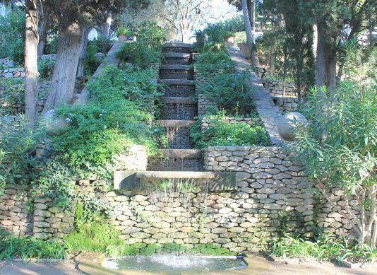 Jardines de laribal un buen d a en barcelona for Jardines laribal