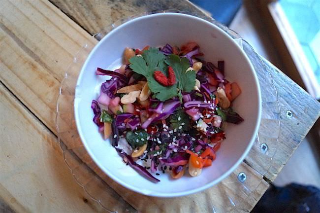The Juice House - Ensalada de Col Thai