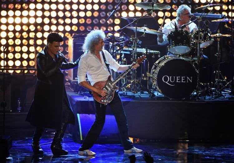 Adam Lambert con Queen en 2011