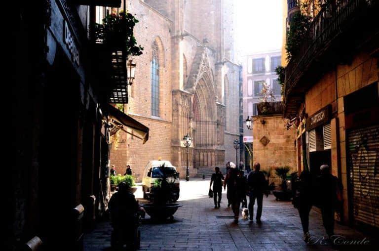 Las aventuras de Arnau de desarrollan en su mayor parte en los barrios del Born y La Ribera