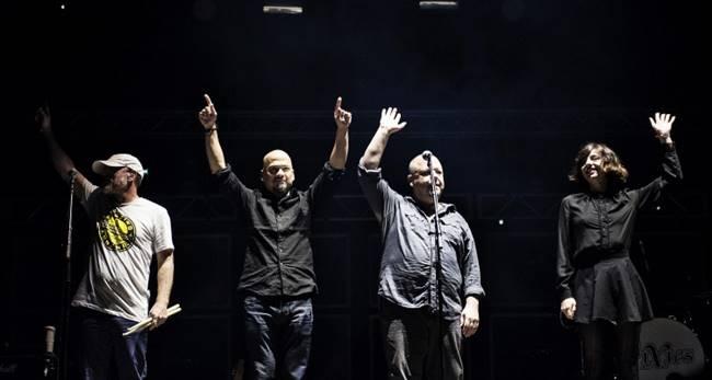 Pixies durante un concierto en este 2016.
