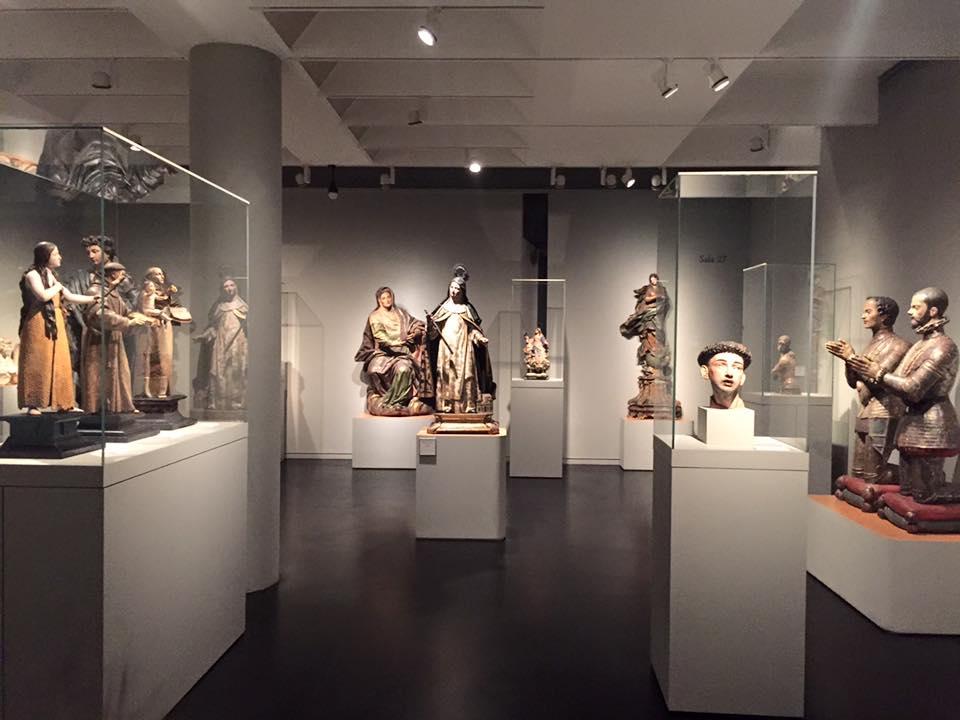 Colección de imagenes religosas del museo