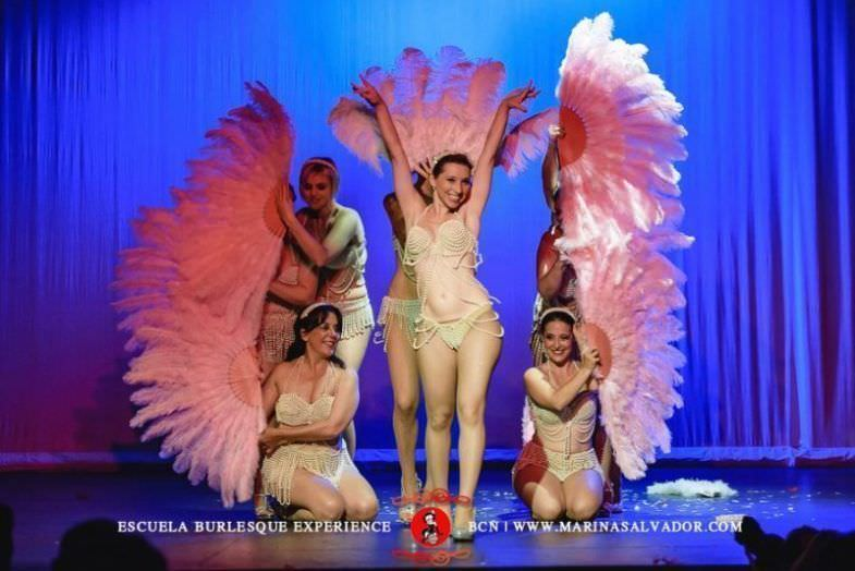 Representación de obra burlesque de la compañía Burlesque Experience
