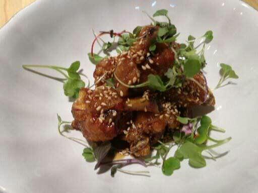 Alitas de pollo lacadas con miel y soja eco