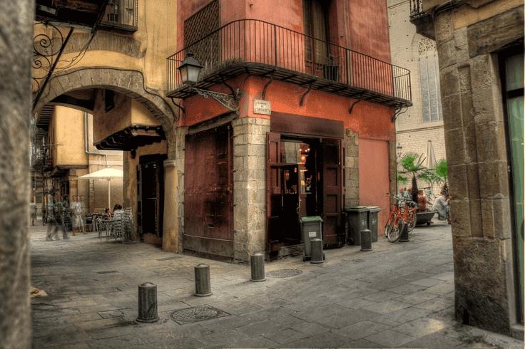 Calle más corta de Barcelona - Fuente: www.itineraplus.com