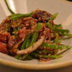 Atún marinado con quinoa