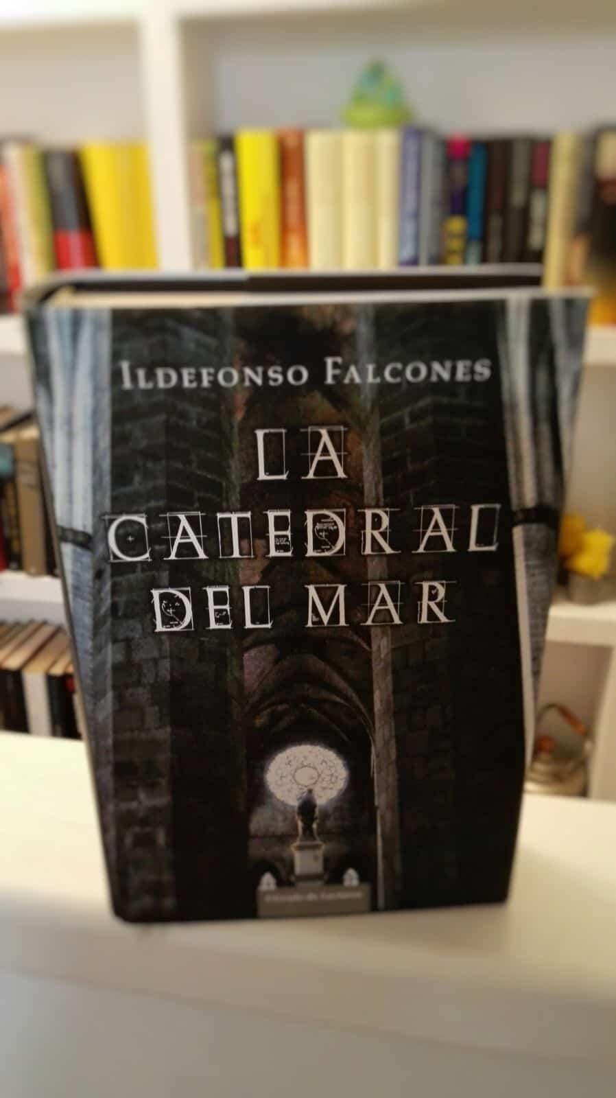 La conocida novela de Ildefonso Falcones se desarrolla en la Barcelona medieval
