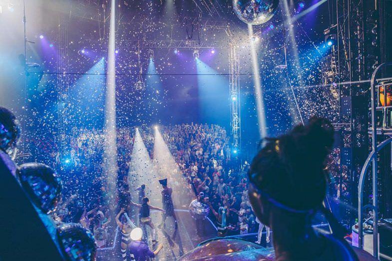 Momento durante el show. Como podeis ver, toda una fiesta.