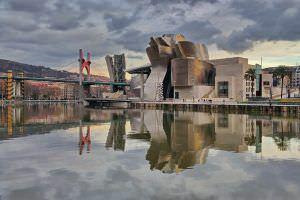 Conferencia: el papel del arte, el diseño y la arquitectura en la construcción de la identidad de las ciudades.
