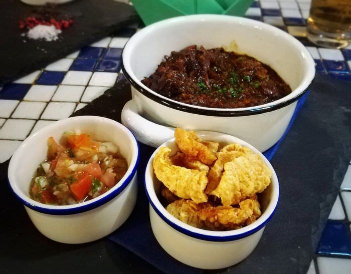Tacos de rabo de toro en ChichaLimoná