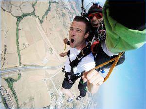 Vivir toda la adrenalina en el salto de paracaídas. Saltamos BCN