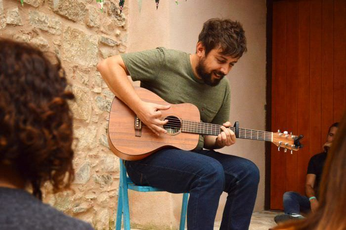 Indies Keeping Secrets en Escola Municipal de Música de Can Fargues