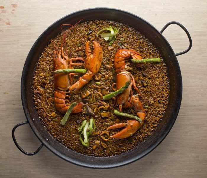 Más de once tipos de paella en Mana 75