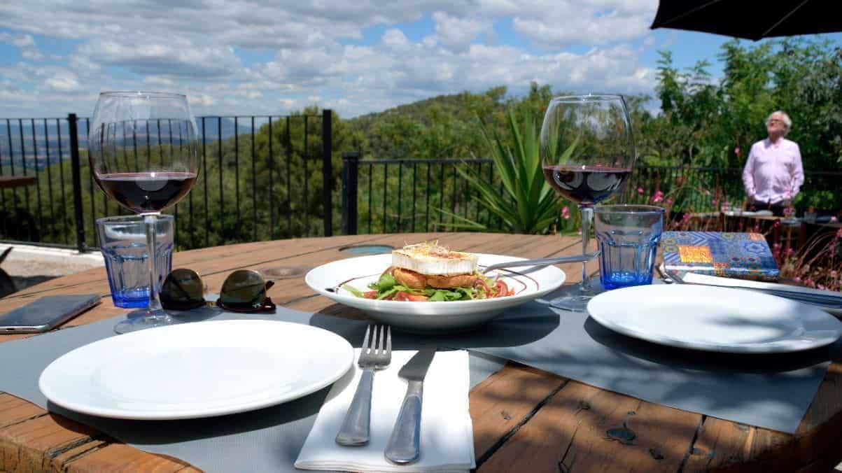 Comer en el corazón del Parque Natural de Collserola