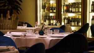 Los interiores llevan la firma del prestigioso interiorista chileno