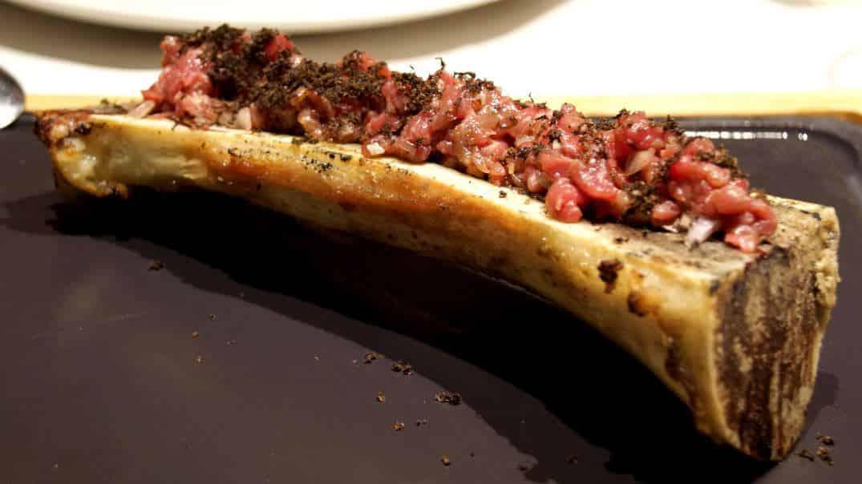 Steak tartar templado y trufa a la minute