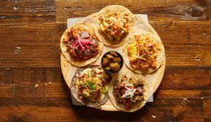 Variedad de tacos en la nueva carta de Pikio Taco