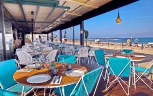 La terraza de Can Fisher es el spot perfecto frente al mar