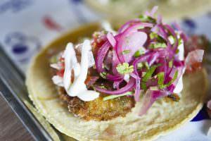 La selección perfecta de tacos en Street Tacos