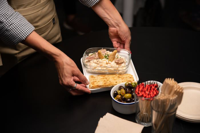 El MACBA café es una Cafetería - vermutería ideal para cualquier momento del día