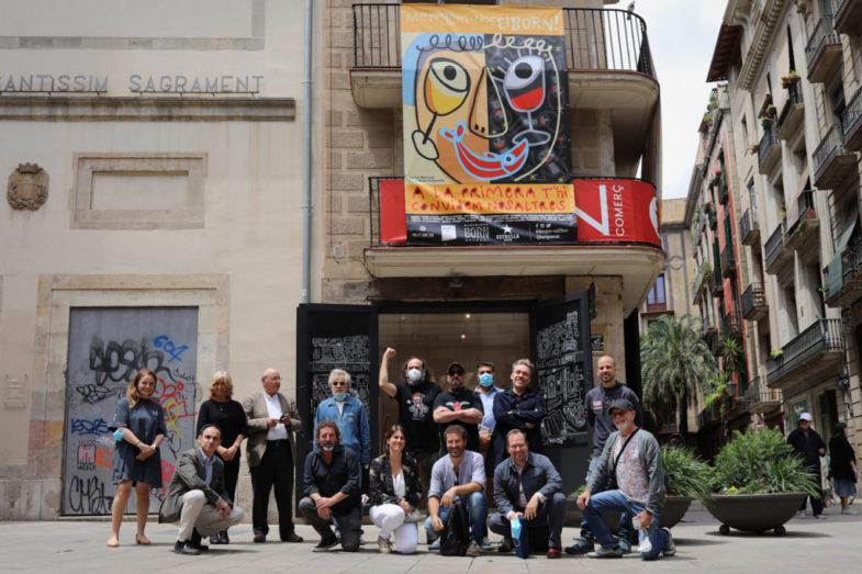 El equipo, presentando la iniciativa en el barrio del Born.